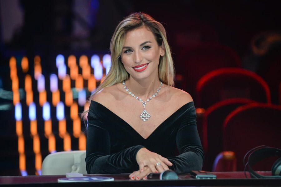 Chi è Beatrice Venezi, la direttrice d'orchestra madrina dei Giovani a Sanremo