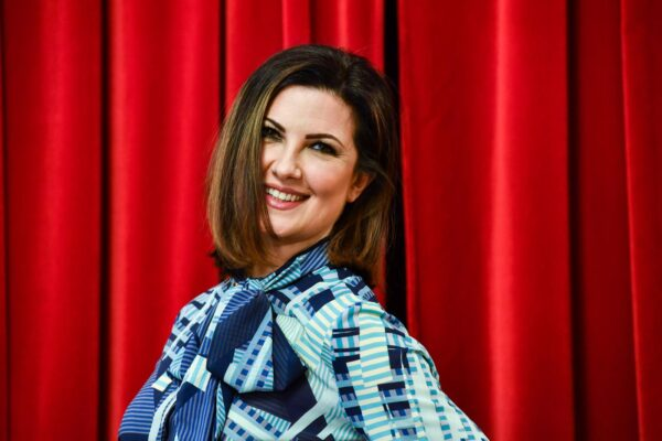 Chi è la moglie di Amadeus, la ballerina Giovanna Civitillo: conduttrice del PrimaFestival di Sanremo