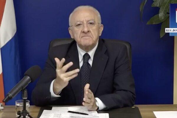 Campania, ordinanza di De Luca: stop a spostamenti verso seconde case