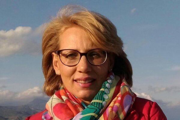 """Professoressa muore dopo il vaccino AstraZeneca, la famiglia: """"Vaccinatevi, è un atto d'amore"""""""