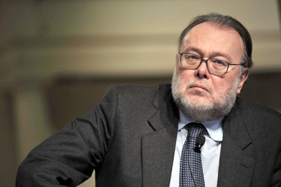 """""""Zingaretti chiarisca se ritiene Draghi un'opportunità o un complotto"""", intervista a Claudio Petruccioli"""
