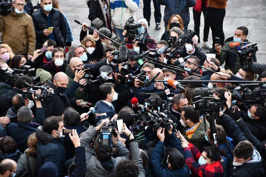 Vaccino ai giornalisti? Ottimo per i colleghi in strada e a rischio
