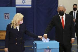"""Elezioni in Israele, ancora stallo ma Netanyahu esulta: """"O governo io o votiamo per la quinta volta"""""""