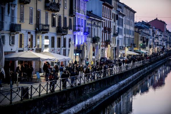 Quanto si vive in media in Italia: la pandemia fa crollare l'aspettativa di vita