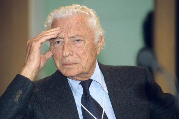 Gianni Agnelli osannato per il centenario della nascita, ma non ha mai chiesto scusa