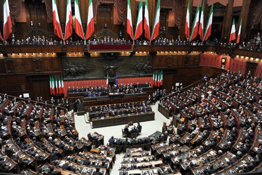 Chiudere l'era dei Dpcm, il Parlamento ritrovi la sua centralità