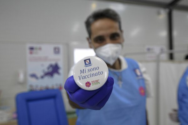 Passaporto vaccinale in Campania: cosa si può fare e dove si può andare con la covid card