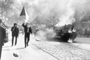 Storia del 1968, quando i figli ribelli chiusero la bocca ai loro padri