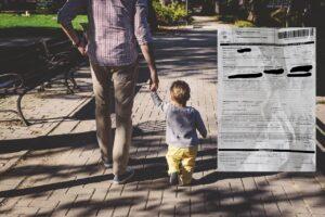 """Bimbo di 4 anni mano nella mano col papà, multa per violazione norme anti-covid: """"Sta zompettando"""""""
