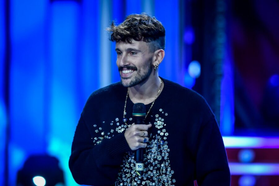 Chi è Aiello, il cantautore cosentino al Festival Sanremo con 'Ora'