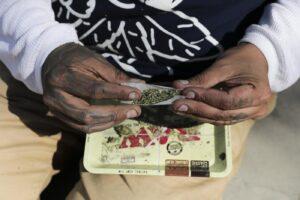 Dopo 60 anni di proibizionismo è ora di legalizzare la cannabis