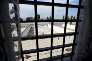 Sovraffollamento carceri, la metà dei detenuti ha pene fino a 3 anni: inutile accanimento su reati di droga