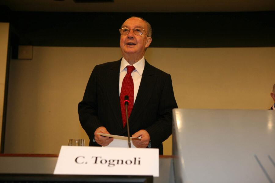 Morto Carlo Tognoli, ex sindaco socialista di Milano: dalla rinascita della città al fango di Tangentopoli
