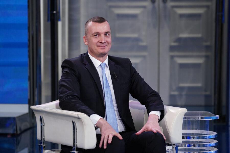 Rocco Casalino riesce nell'impresa di ricompattare il Pd lacerato dalla successione a Zingaretti