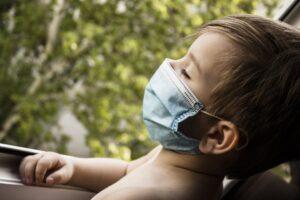 I bambini neutralizzano il Covid in 7 giorni: lo studio spiega il perchè
