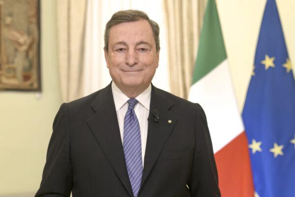 """Il messaggio di Draghi: """"Accelerare sui vaccini, l'emergenza peggiora ma la via d'uscita non è lontana"""""""