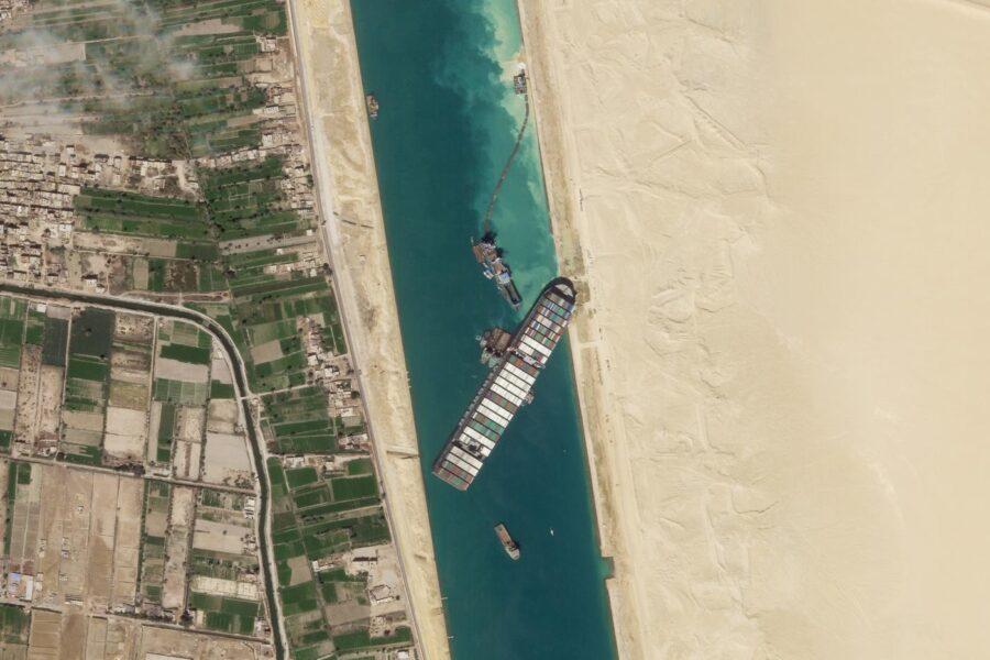 Quanti danni ha prodotto il blocco del canale di Suez