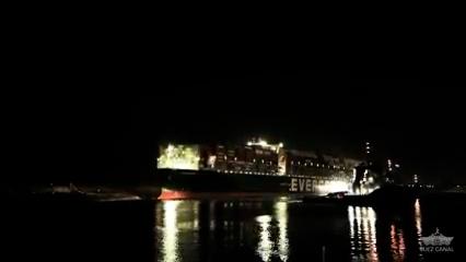Come è stata sbloccata la Ever Given, la nave che ha bloccato il canale di Suez per 6 giorni