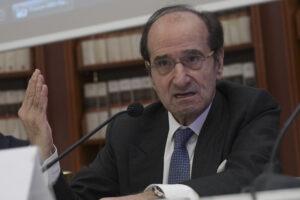 """Sui vaccini ennesima débâcle dell'Europa"", l'accusa di Jean Paul Fitoussi"