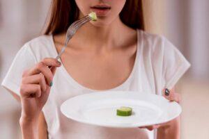 Disturbi alimentari e solidarietà, un progetto a sostegno delle ragazze che soffrono di anoressia e bulimia dovute al lockdown