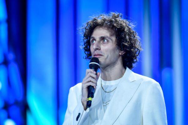"""Chi è Ghemon, il rapper di """"Momento perfetto"""" che torna a Sanremo dopo il successo di """"Rose viola"""""""