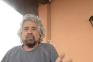 """Beppe Grillo torna a provocare il PD allo sfascio: """"Mi propongo come segretario elevato"""""""