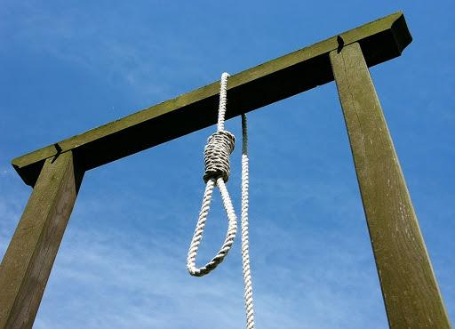 La brutalità della Qisas, la legge del taglione: 19enne aiuta il boia a giustiziare la madre