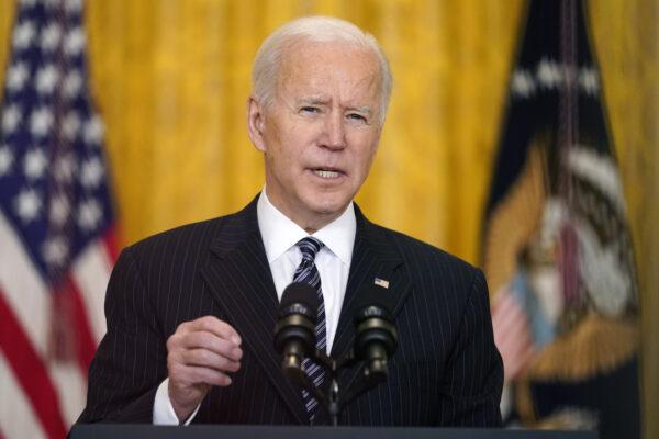Bombe e minacce, Biden fa il bullo e la sinistra resta muta