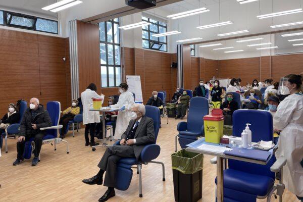 Il Presidente Sergio Mattarella si è vaccinato contro il covid: farmaco Moderna per il Capo dello Stato