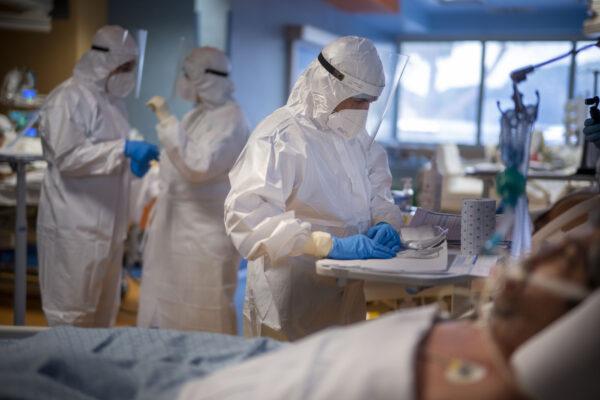 La parabola dei medici: per gli italiani eroi, per i Pm capri espiatori