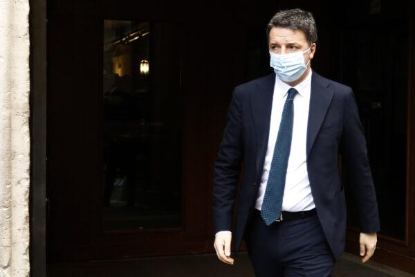 Renzi sfida Letta, ma Italia Viva rischia di sbriciolarsi: due senatori verso il ritorno nel PD