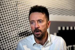 """Scanzi si vaccina come """"riservista"""", sul caso indaga l'Asl: bufera sul giornalista del Fatto Quotidiano"""
