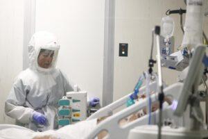Il Coronavirus accelera, indice Rt nazionale sale a 1,06: prima volta sopra l'1 dopo sette settimane