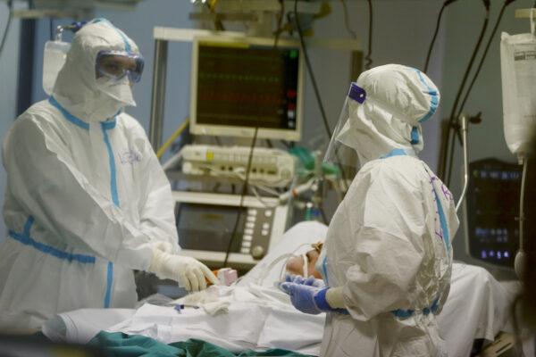 Coronavirus, 5.080 casi e 198 morti: oltre 24 milioni di italiani con la prima dose del vaccino