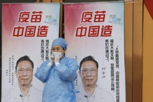I vaccini cinesi hanno una bassa efficacia, Sinovac protegge al 50%