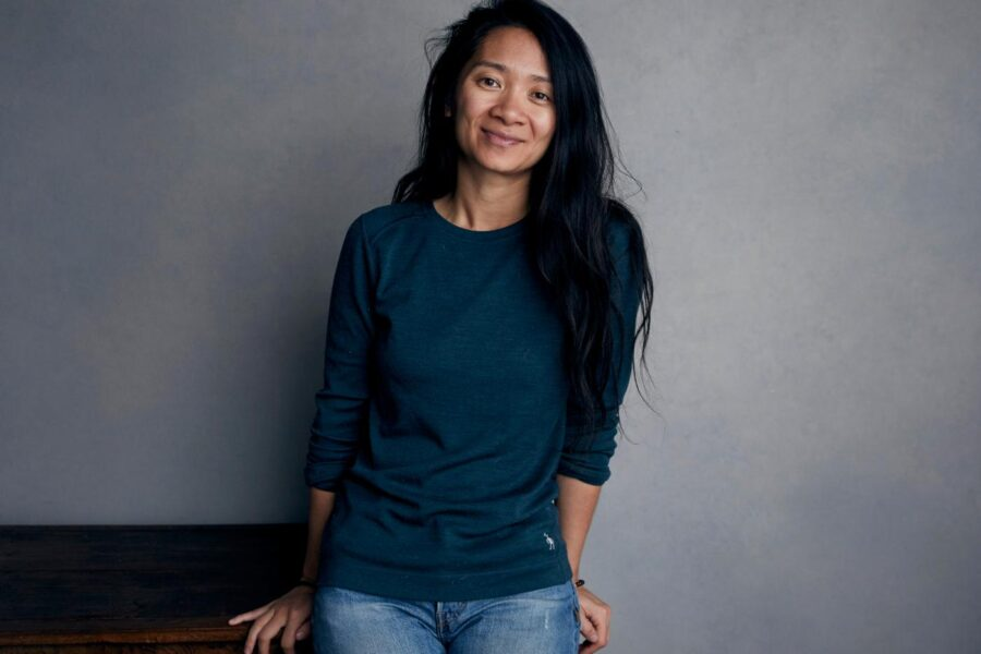 "Chi è Chloé Zhao, la regista Premio Oscar con ""Nomadland"""