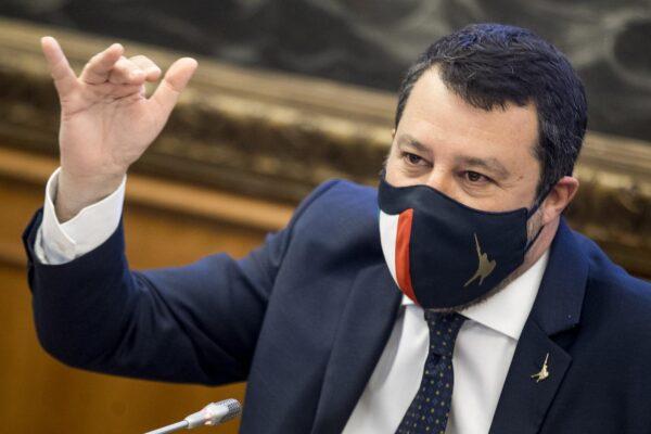 """Salvini rinviato a giudizio per il caso Open Arms: """"Vado a processo a testa alta"""""""