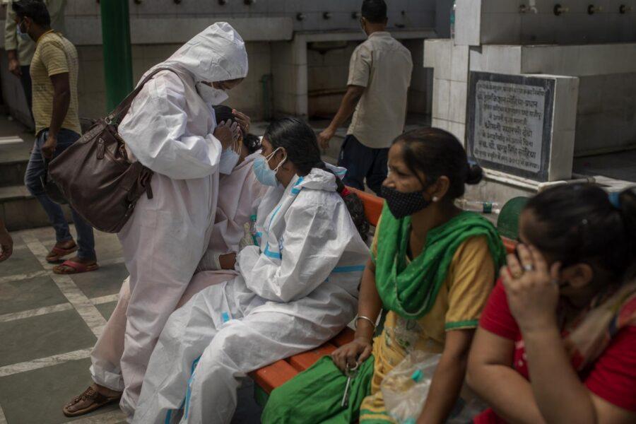 Che cos'è la variante indiana, tutto quello che c'è da sapere: trasmissibilità, letalità, vaccini