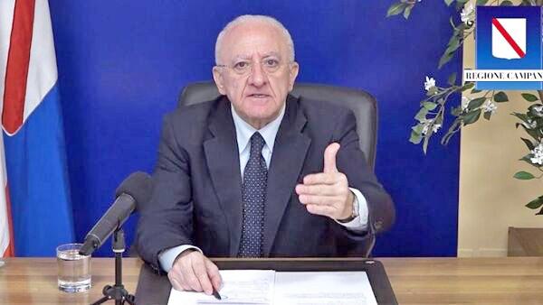 """Campania zona gialla, De Luca: """"Ristoratori presi in giro, coprifuoco con scontrino fino alle 23.30"""""""