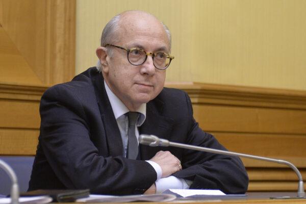 """""""Basta Pm e professori, a Napoli serve un politico esperto"""", parla il filosofo Roberto Esposito"""