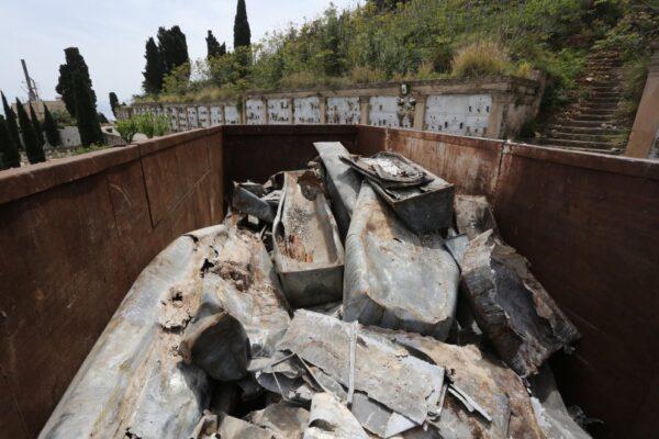 Palermo, lo scandalo del cimitero dei Rotoli: oltre 800 bare senza sepoltura