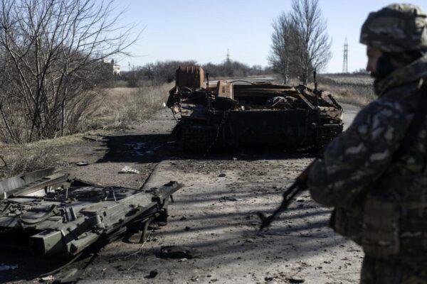 Tensioni tra Russia e Ucraina, enorme dispiegamento di truppe sui due fronti