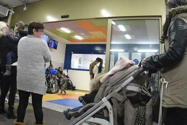 """Da familiari a medici, portano bimba al pronto soccorso con il pediatra in viva voce: """"Fate questi esami"""""""