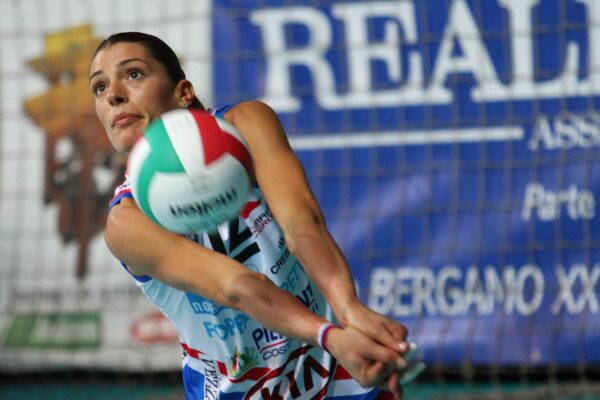 """Francesca Piccinini lascia la pallavolo, l'addio a 42 anni: """"Largo alle giovani"""""""