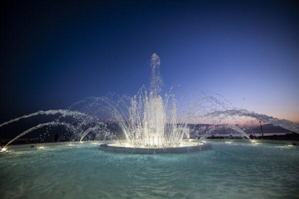 Roma, una rotonda sul mare: torna a splendere la fontana dello Zodiaco a Ostia