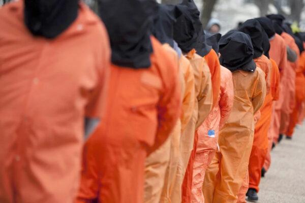 Guantanamo è simbolo di illegalità e violazioni, deve chiudere: Biden prova dove Obama ha fallito