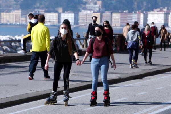 Campania, nuove misure in Zona Arancione per estetisti e parrucchieri