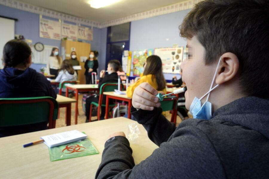 Tutti a scuola: gli studenti in Zona Gialla e Arancione tornano in classe e in università