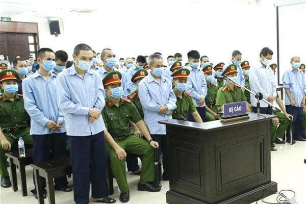 Vietnam, condannati a morte per aver difeso la propria terra