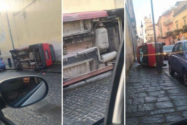 Boom di ladri di marmitte, auto ribaltate per rubare metallo raro: quanto frutta ogni colpo